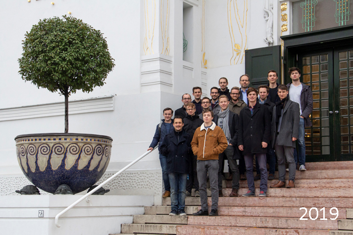 Group photo taken in 2019 in front of the Vienna Secession